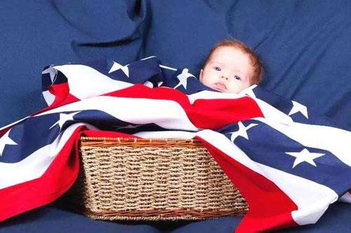 美国生小孩,特朗普为什么没有权利取消出生公民权 ?